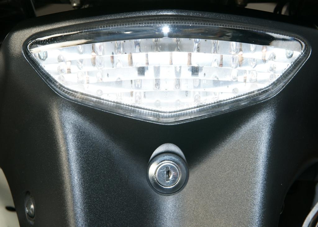 Πίσω φανάρι LED - Gvf.gr
