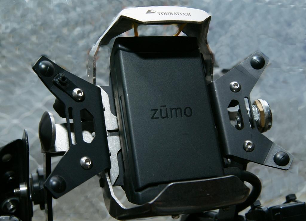 Βάση Garmin Zumo 590 - Gvf.gr